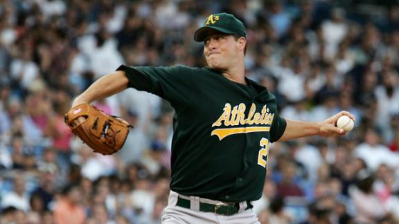 Angels sign Mulder to minor league contract