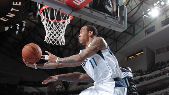 Ellis, Mavs cruise to keep Magic on skids