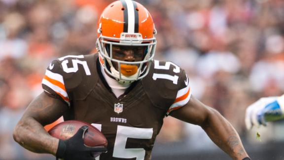 Browns' Bess arrested for assault at airport