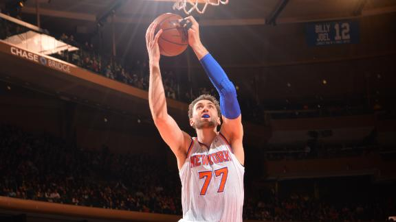 Knicks' Bargnani out with torn elbow ligament