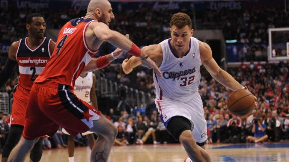 Clips maintain home grip; Jordan leads way
