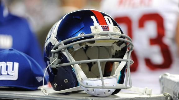 Eli, Giants named in suit over memorabilia