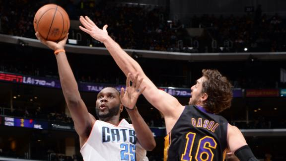Lakers' Gasol to have MRI, uncertain for trip