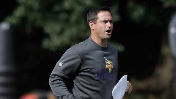 Controversial Priefer keeps job with Vikings