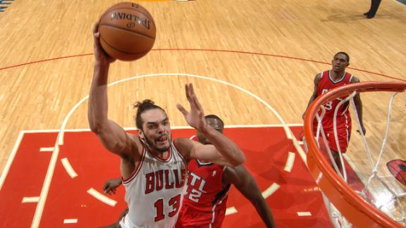 Noah has triple-double in Bulls' win over Hawks