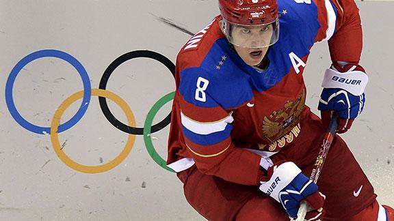 Russia survives, reaches hockey quarterfinals