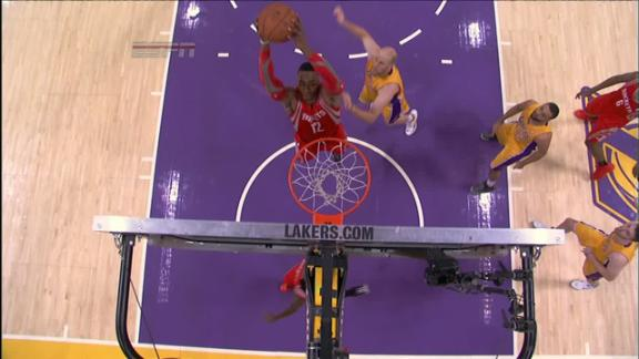 Video - Dwight dunks on former team