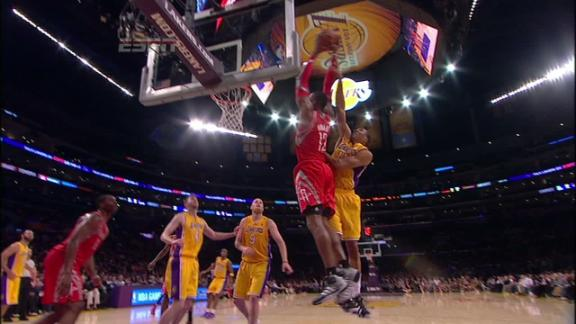 Video - James Harden alley oop to Dwight Howard Rockets lead 75-51