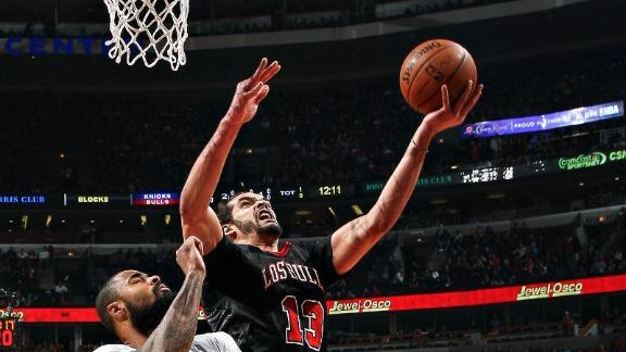 Noah leads Bulls to easy win against Knicks