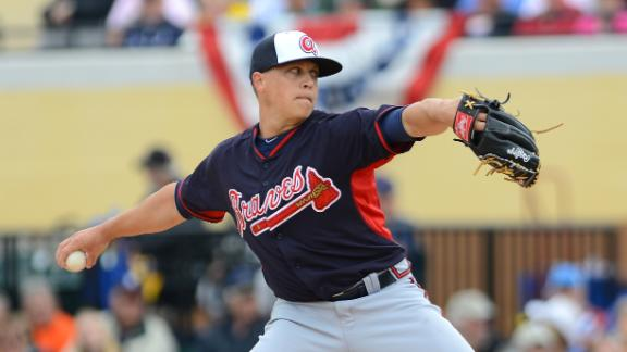 Video - Medlen Exits Spring Game With Injury