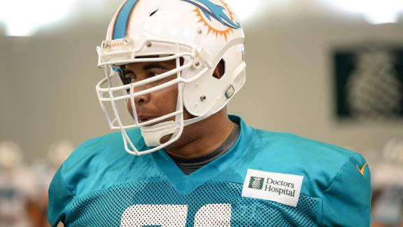 Dolphins trade Martin to 49ers for draft pick