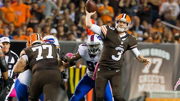 Source: Cowboys add ex-Browns QB Weeden