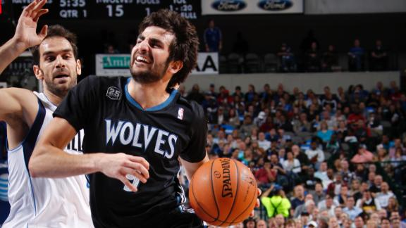 Love's 35 help Timberwolves clip Mavs in OT