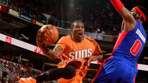 Video - Bledsoe, Suns Finish Off Pistons