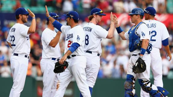 Dodgers hand D-backs Aussie sweep