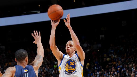 Curry's 33, late 3-pointer key Warriors' rally