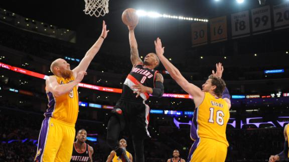 Lillard, Aldridge carry Blazers past Lakers