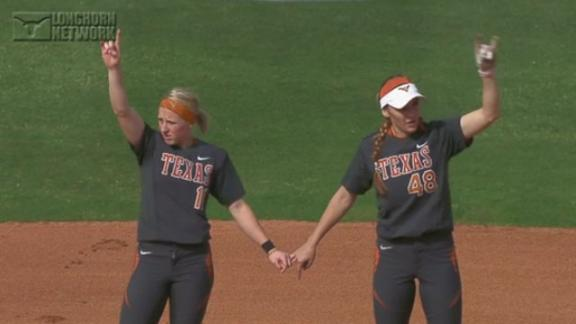 Softball Defeats Texas Tech, 5-1