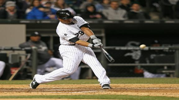 Abreu's 2 HRs power White Sox vs. Indians