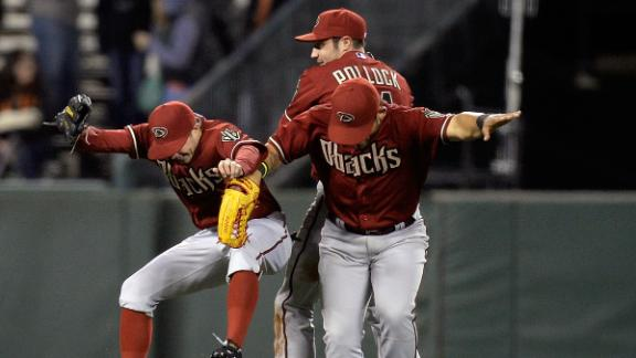 D-backs need 10 innings to slip past Giants