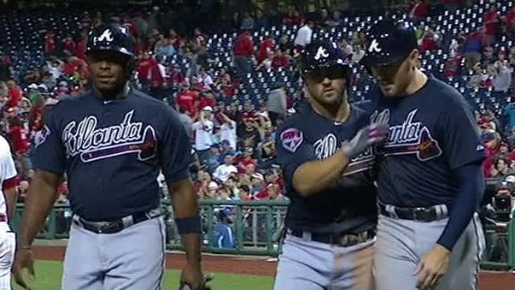 Uggla's slam in 9th lifts Braves over Phillies