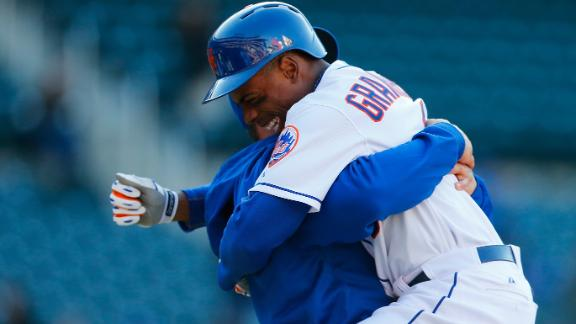 Granderson's sacrifice fly lifts Mets in 14th