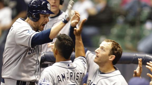 Headley homers in 12th to give Padres win