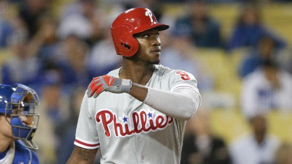 Phillies exploit Dodgers' miscue to win in 10