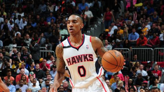 Hawks hang on to beat Pacers, take 2-1 lead