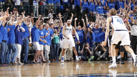 Carter's 3 lifts Mavs over Spurs at buzzer