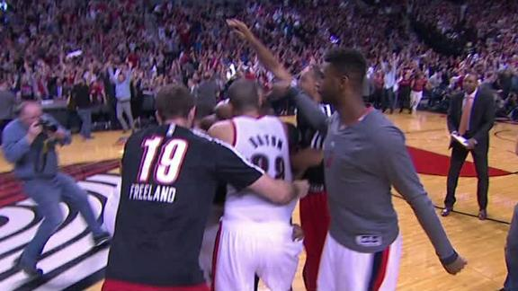 Lillard, Blazers oust Rockets with 3 at buzzer