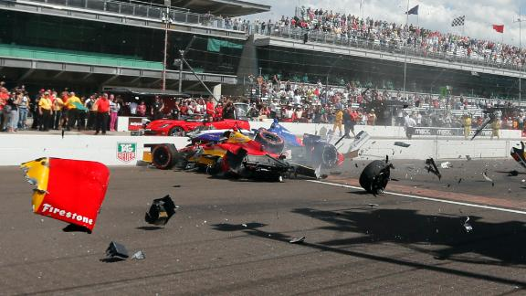 Crash Mars Start Of Indy Grand Prix
