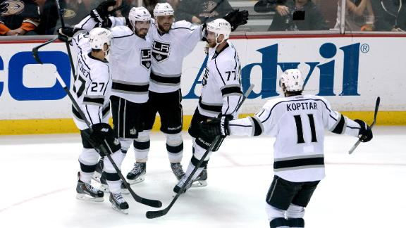 http://a.espncdn.com/media/motion/2014/0517/dm_140517_nhl_kings_ducks_hotn/dm_140517_nhl_kings_ducks_hotn.jpg