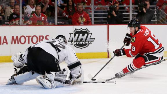 Toews, Blackhawks Dispatch Kings In Game 1