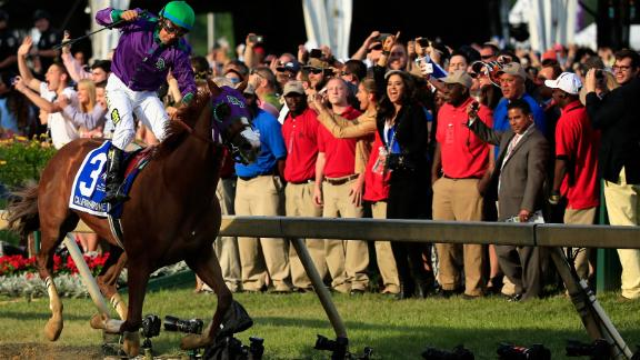 California Chrome Can Wear Nasal Strip