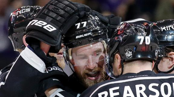 Kings Edge Blackhawks, Take Series Lead