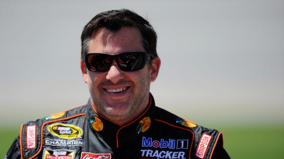 http://a.espncdn.com/media/motion/2014/0527/dm_140527_nascar_Stewart_drives_sprint_car/dm_140527_nascar_Stewart_drives_sprint_car.jpg