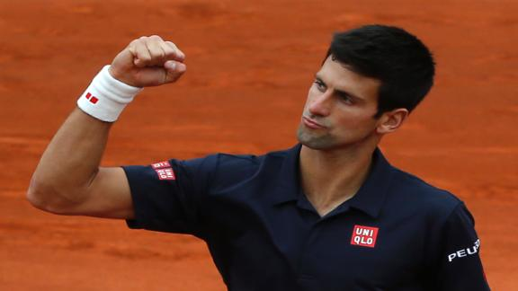 Djokovic Cruises Into Semifinals