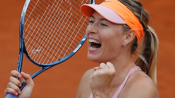Sharapova Fights Her Way Into Semifinals