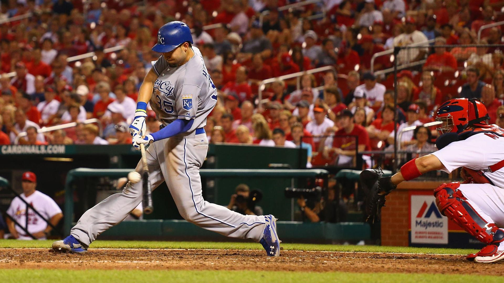 Video - Hosmer, Royals Fight Off Cardinals
