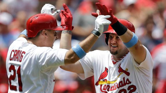 Adams homers in 3rd straight as Cards win