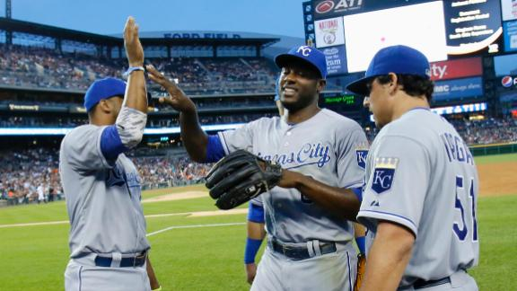 Royals beat Verlander, Tigers for 8th in row
