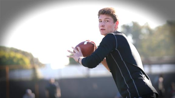 California QB Chooses Alabama Over Oregon