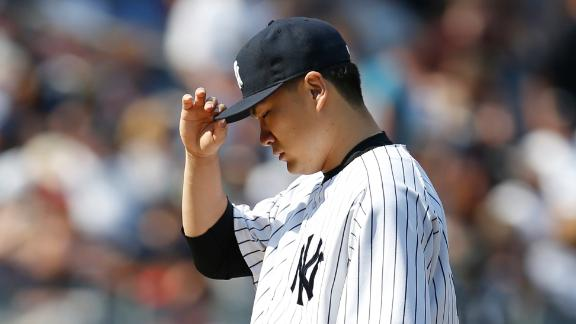 O's hand Tanaka 2nd loss in win over Yanks
