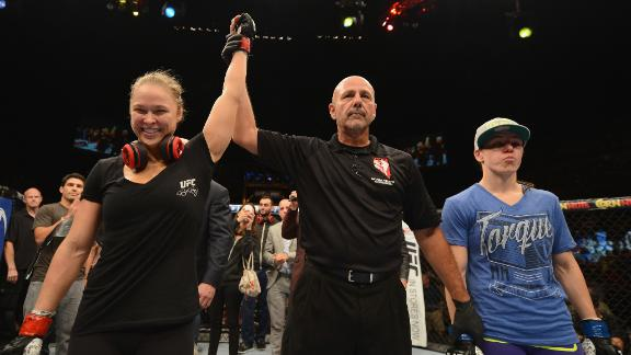 UFC 175: Davis Loses To Rousey