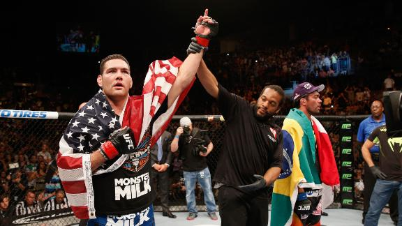 UFC 175: Weidman Retains Belt