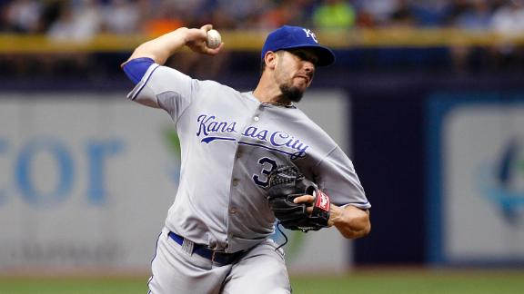 Roundup: Shields Strikes Out 10 in His Return to Tampa Bay
