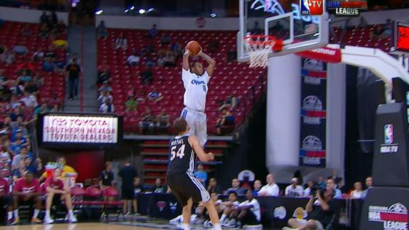 Video - Clippers Pull Off Amazing Alley-Oop