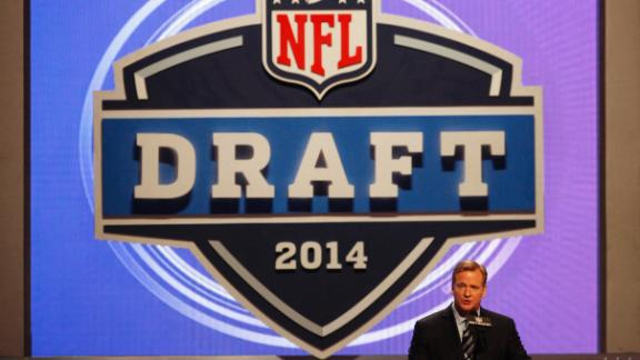 Will Draft Be In L.A. Or Chicago?