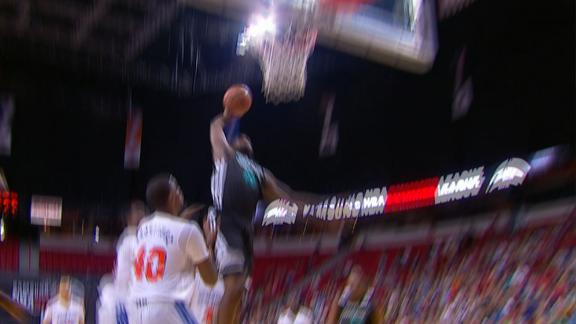Hairston's Rim-Rattling Slam